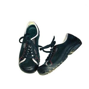 Keen women's Suede Hiking Athletic Sneakers